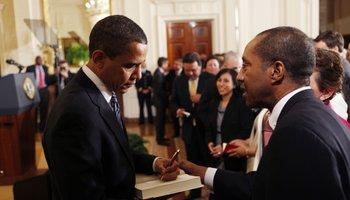 Obama_book signing