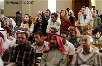Iraq_church_men_women