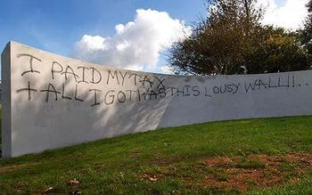 Graffitti_wall_england